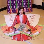 京都で十二単の雅な伝統体験